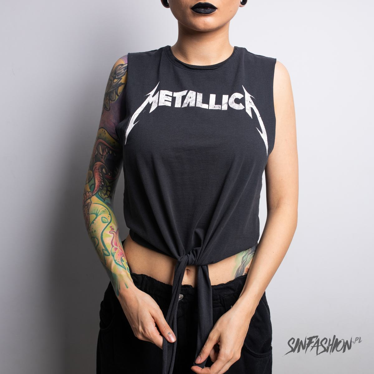 Top Amplified Metallica White Logo